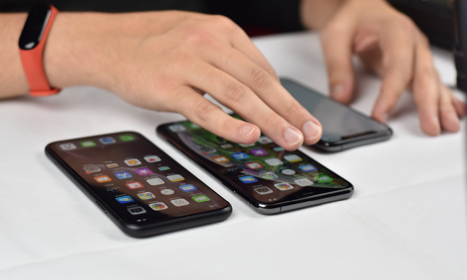iPhone OLEDs: Choosing the Best Assembly for Your Repairs